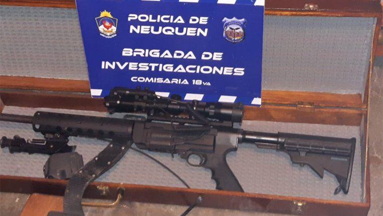 Una de las armas.