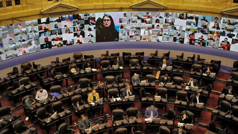Diputados dan media sanción a moratoria previsional e impositiva