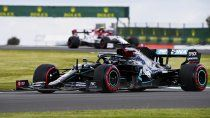 Lewis Hamilton fue contundente en la clasificación de la Fórmula 1 y se convirtió en el piloto con más pole position en el circuito de su país.