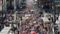 En Alemania miles de manifestantes anticuarentena salieron a las calles.
