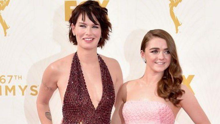 Maisie Williams y Lena Headey se juntaron para llevbar adelante un videoclip.