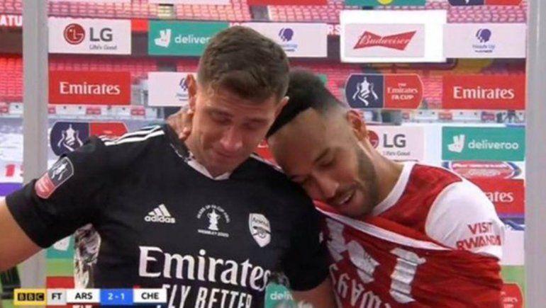 El llanto del argentino campeón en Inglaterra al hablar con su familia