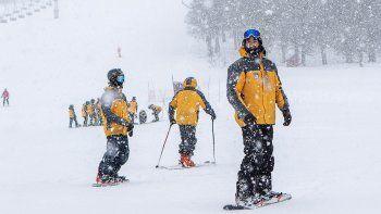 esqui y snowboard tambien ya tienen el pase autorizado