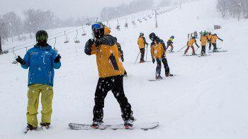 chapelco recibio en sus pistas a 500 esquiadores