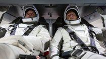 regresaron a la tierra los astronautas de la mision spacex