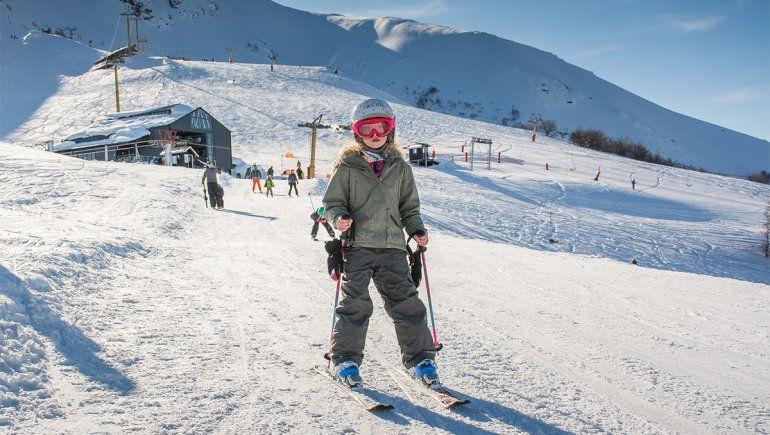 Hubo más de 500 esquiadores en el Cerro Bayo