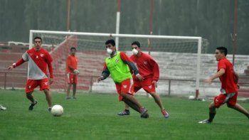 ¿Vuelve el fútbol 5? Provincia analiza habilitar más deportes
