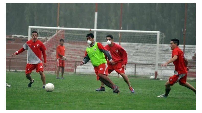 ¿Vuelve el fútbol 5? Provincia analiza habilitar nuevos deportes