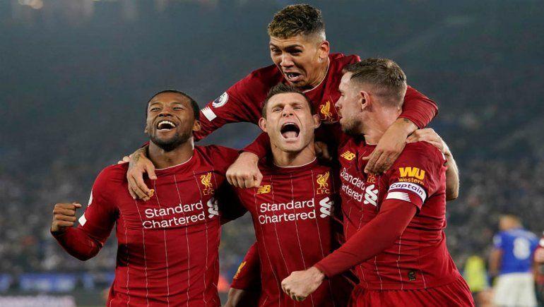 El triunfo en la Premier League del Liverpool hizo feliz a un hincha del Manchester United.