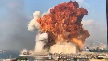 Las autoridades buscan la explicación de las explosiones y el incendio en Beirut.