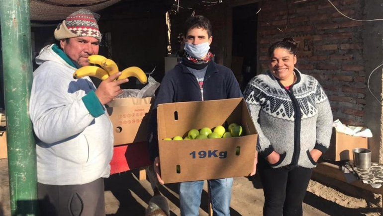 Los emprendedores distribuyen alimentos en Neuquén y en localidades vecinas.