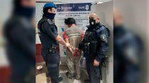 El delincuente fue detenido a cinco cuadras con el botín que había robado.