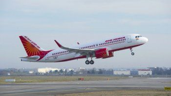 se estrello un avion en la india con 180 pasajeros