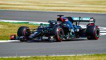Lewis Hamilton marcó el pulso del viernes de la Fórmula 1 en Silverstone, escenario que alberga la quinta contienda del nuevo calendario 2020.