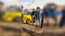 un taxista lucha por su vida: recibio un balazo en un confuso hecho