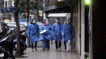 Con un nuevo récord, Argentina superó las 5.000 muertes por covid-19