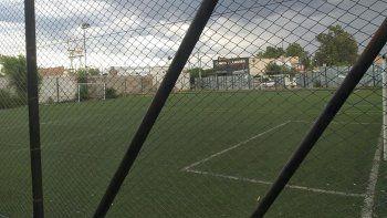 Cierra histórico predio neuquino de fútbol 5 por la crisis