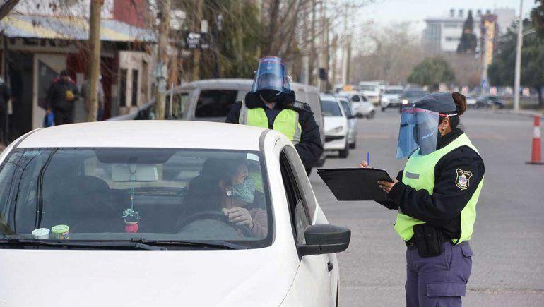 Inspectores municipales realizan controles y multas en toda la ciudad.