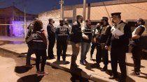 fusilaron a una mujer que salio en defensa de su hijo