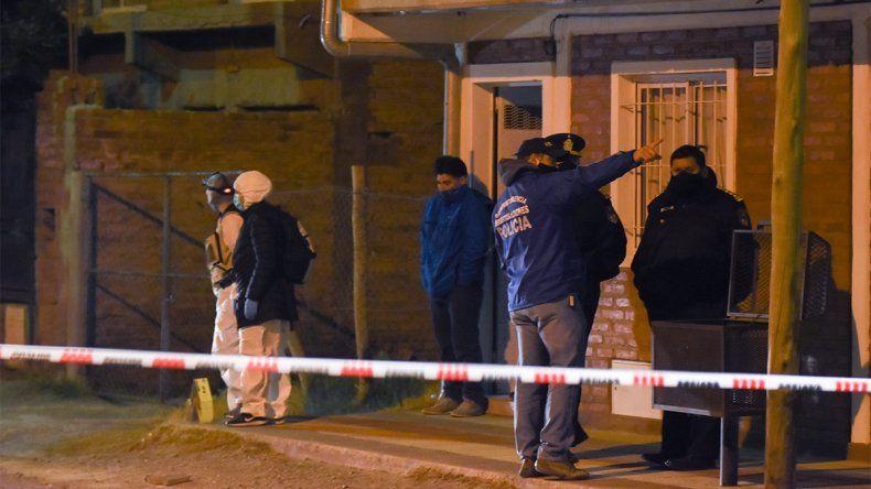 Canal V: entró a robar a la casa de un policía y lo mataron