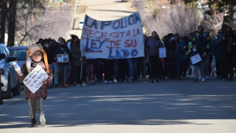 Andacollo se movilizó en apoyo al policía acusado de matar al ladrón