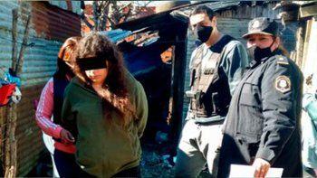 La acusaron de quemar a sus hijos y permitir que su marido los viole