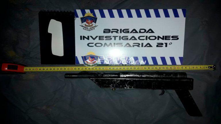 Una de las armas secuestradas en la vivienda de barrio El Progreso.