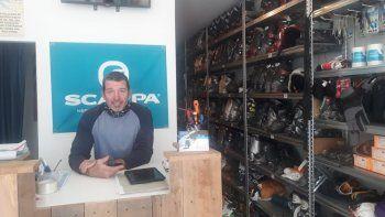 alquila equipos de esqui por alimentos para un merendero