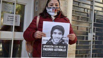 Grave denuncia de la mamá de Facundo: apareció la foto del DNI en el celular de una policía
