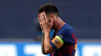 La foto de Messi abatido en el vestuario que se hizo viral