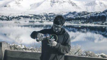 Federico, el hombre de la barredora de nieve en Caviahue