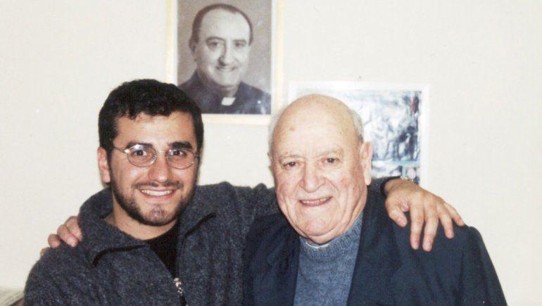 Gustavo Edelman con el fundador del Colegio Don Bosco Juan Gregui.