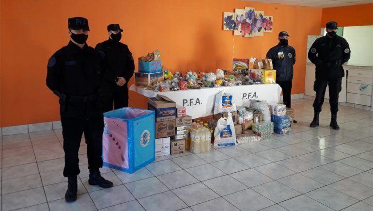 Día de las Infancias: la Federal donó juguetes y alimentos a un hogar