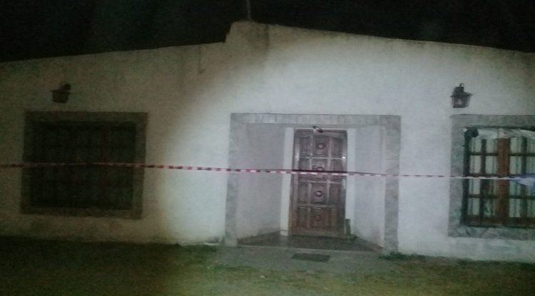 La vivienda donde se produjo el disparo que terminó en tragedia.