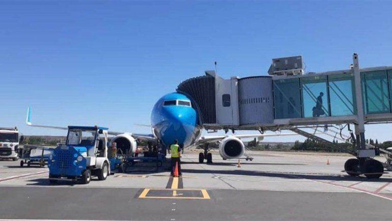 El aeropuerto de Neuquén quedó con tres aerolíneas