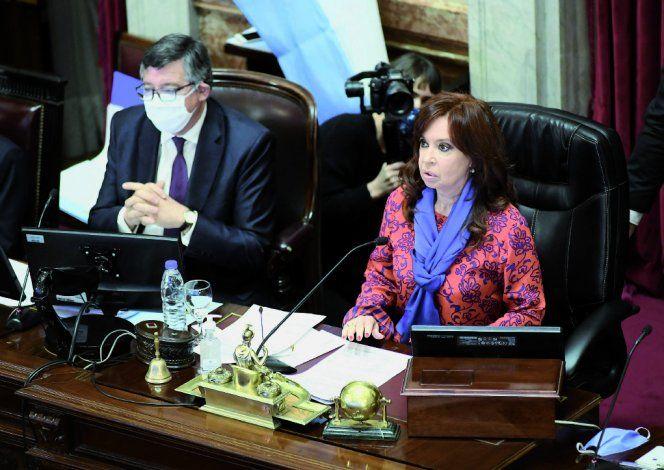 Anoche, el Senado, que es presidido por Cristina, aprobó rechazar los traslados de los jueces.