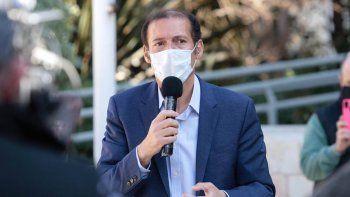 A Gutiérrez no le cierra un barril criollo de dos precios