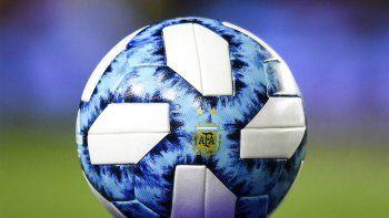 futbol en continuado y sin vacaciones en el pais
