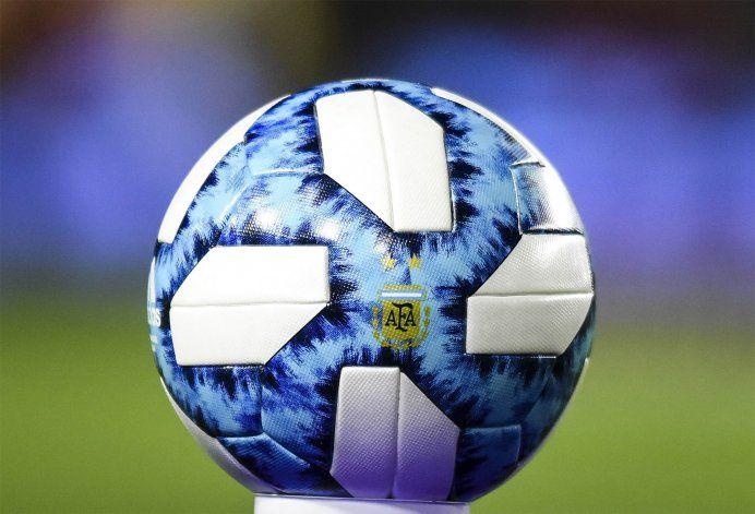 Fútbol en continuado y sin vacaciones en el país