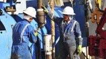 petroleros dice que 3000 trabajadores arreglaron su retirada