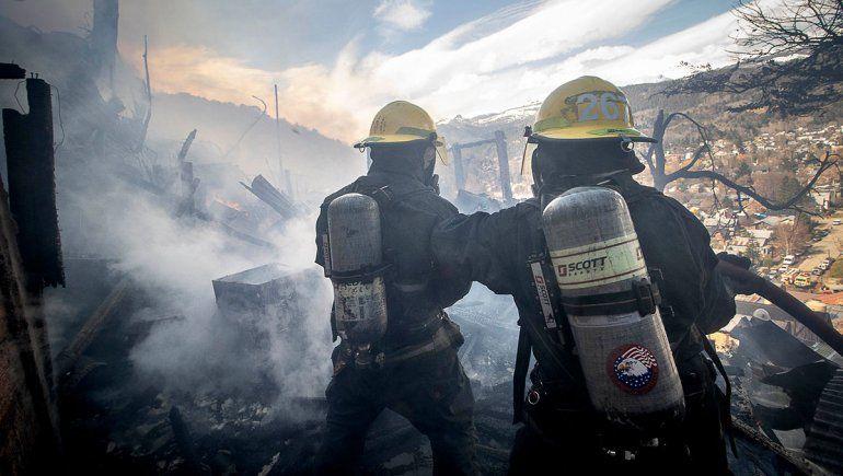 Desde el drone: imágenes del feroz incendio en San Martín