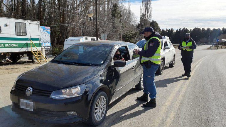 Los controles sobre la Ruta 40 se intensificaron a partir de los nuevos positivos en Junín de los Andes