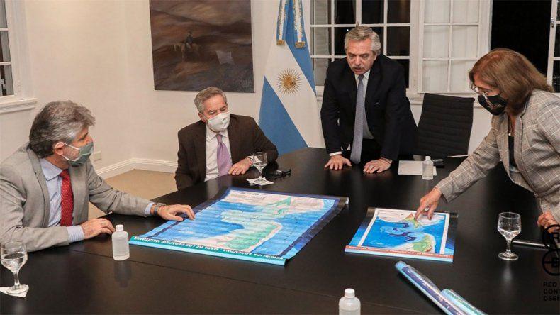 Hay un protocolo oficial de Presidencia para prevenir el contagio de coronavirus y Fernández lo incumplió varias veces