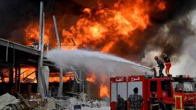 Beirut vuelve a estar en pánico por un incendio en el puerto