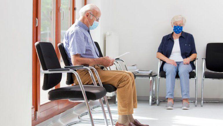 La oferta de turnos en las clínicas se redujo un 75%