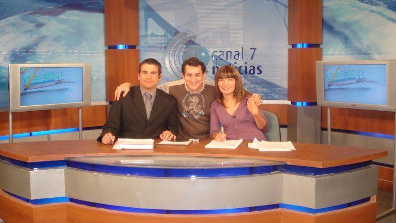 Jorge Edelman con los conductores del noticiero de Canal 7 de Neuquén.