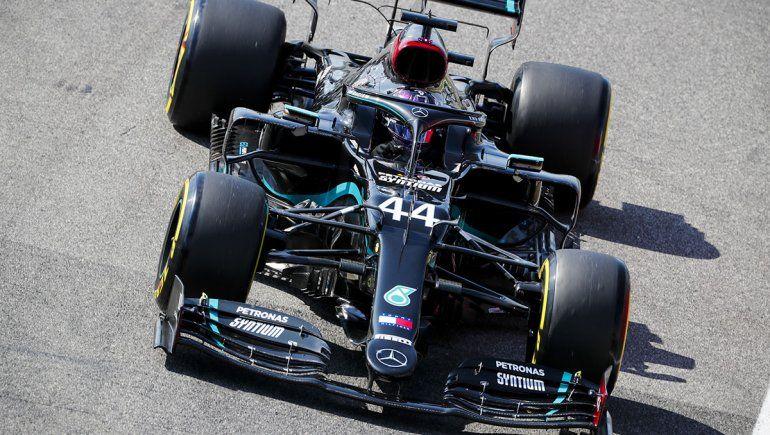 Lewis Hamilton fue el más veloz de la clasificación de la Fórmula 1 en Mugello y consumó su séptima pole position en este año.