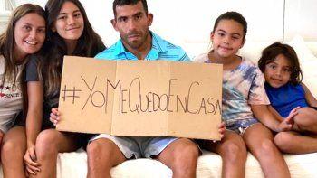 El ídolo de Boca con sus hijas que lo ayudaron.