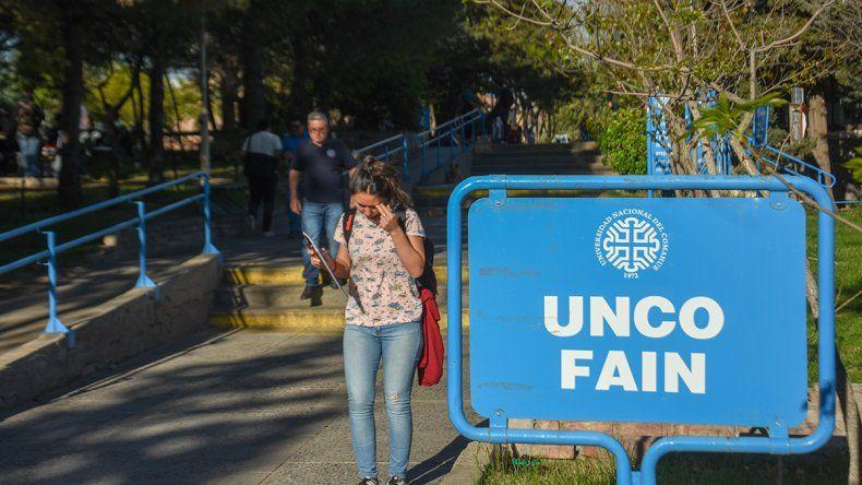 La UNCo encuestará a sus graduados de 2019