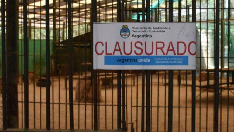 Escándalo en la clausura del zoológico de Luján: golpes y piedrazos